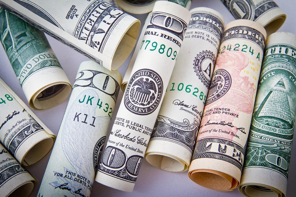 Finanzautor behauptet Ende des Dollars bis 2040